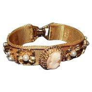 "Florenza - Mesh Cameo/Pearl Floral Bracelet - 7"" Long"