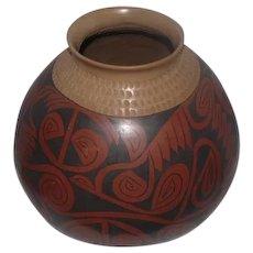 "Gloria Hernandez Indian Large Brown Pot with Design - Half Moon Crimping - 11 1/4"" Tall"