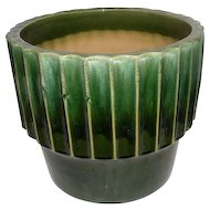 "R.R.P.CO. Green Roseville, O USA Planters Pot - 11 1/4"" tall"