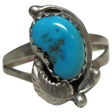 Turquoise Ring Set in Silver with Leaf Design - Size 8