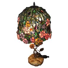 """Stunning Stain Glass Lamp Shade and Table Lamp - Feat. Flowers/Roses - 26 1/2"""" Tall"""