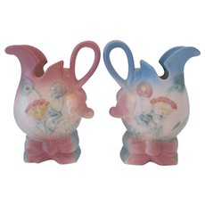 1949 Bow Knot - Pair of Hull Art USA Pitchers - Blue & Pink - 5 1/2""