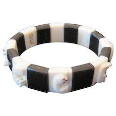 Black Onyx & Schrimshaw Bracelet w/Carved Animals