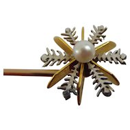 Vintage 15ct yellow and white gold stick pin