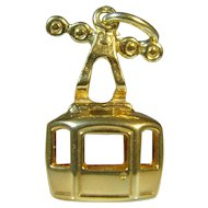 Vintage 14 ct yellow gold -Sky cable car / Ski lift charm