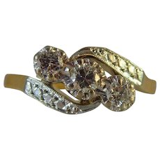 Vintage mid century platinum set 3 stone diamond 18 ct gold ring