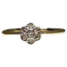 Art Deco 1920s 18 ct Platinum set Diamond Flower ring