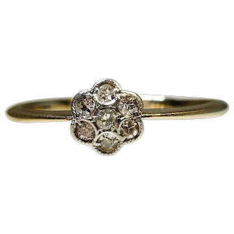 Art Deco 1920s 18 ct Platinum set Diamond Flower ring