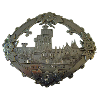Victorian hallmarked 1899 Windsor Castle silver brooch