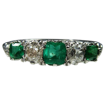 Fine quality 1920s 18 ct white gold Emerald and diamond Ring