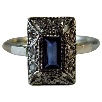 Vintage Original Diamond and Sapphire 18ct and Platinum Ring
