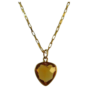 Vintage hallmarked for 1964 - 9 ct gold mounted citrine heart pendant and chain