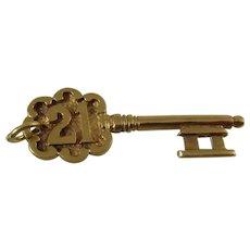 Vintage 21st key 9ct gold charm