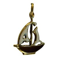 Art Deco 1930s  9ct gold and enamel Yacht charm
