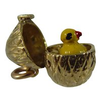 Vintage 9ct gold egg and chick enamel charm