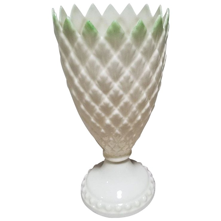 Belleek Feather Vase With Green Tips 5th Mark Dated 1955 To 1965