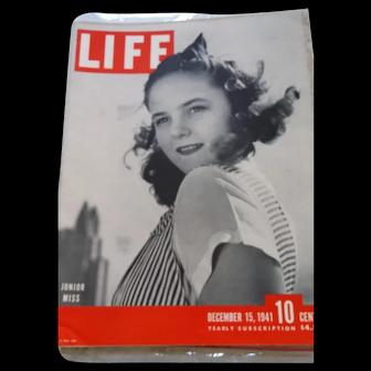 LIFE Magazine December 15, 1941, Pearl Harbor Attacked