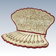 Cased Set of Twelve Silver Teaspoons London c1898