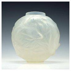 R.Lalique Opalescent Formose Vase 1924 Marcilhac 934
