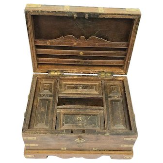 Big (writing - value) box - Neo renaissance - Wood, Brass - Approx. 1890 - Netherlands