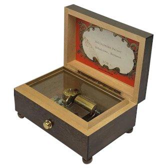 Swiss music box in wooden box - Ca. 1950