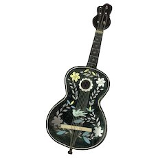 Miniature guitar with music box (rare) - Silver, Faux Tortoiseshell - Approx. 1920