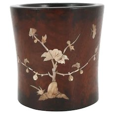 Hardwood brush pot with inlay - Mother of Pearl, Wood - China - Ca. 1900