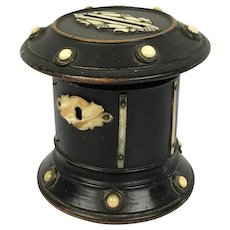 Wooden bank veneered with horn - France - Ca. 1880