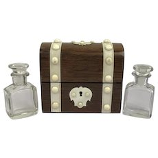 Box with bone finish and two glass perfume bottles - France - Late 19th century