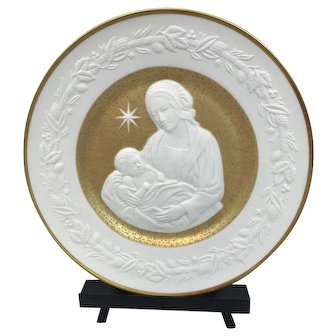 "Franklin Mint - ""Silent Night"" Christmas Plate with 24 carat gold leaf - 1976"