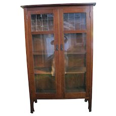 Rare Superb High L&jG Stickley 2 Door China Cabinet with Leaded Glass  w4099
