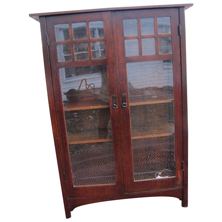 Antique Lu0026jG Stickley China Cabinet W4999