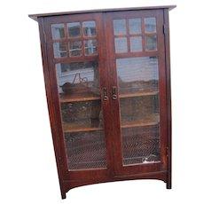 Antique L&jG Stickley China Cabinet  w4999