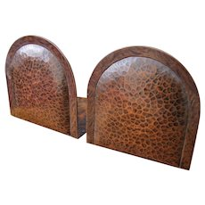 Superb & Rare Pair of Antique Gustav Stickley Hammered Copper Bookends w5250
