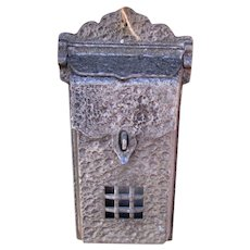 Vintage Arts & Crafts Mailbox  w5385