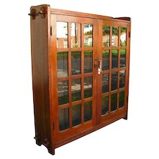 Antique L&jG Stickley 2 Door Bookcase w908