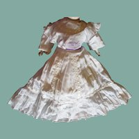 Great dress with many pleats