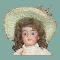 Beautiful Simon Halbig 1079 antique doll