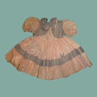 Adorable vintage  taffeta dress