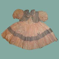 Adorable vintage  taffeta dress