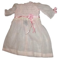 Darling dress with rosettes