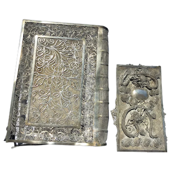 Vintage Chinese Export Silver Filigree Floral with Dragon Name Card Case