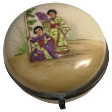 Antique snuff box, Chinoiserie ceramic, early 19th century