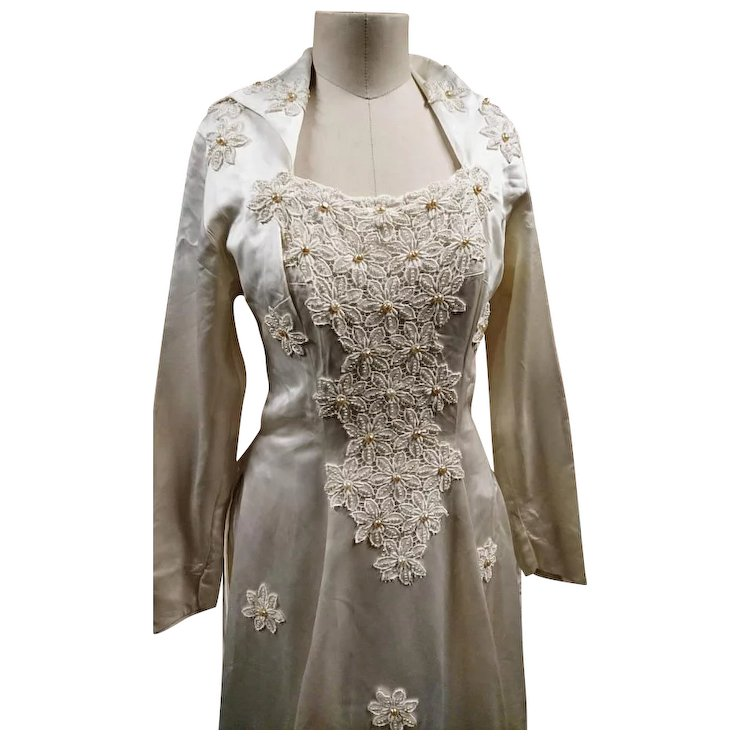 Vintage designer wedding dress, Laura Phillips, silk and pearl ...