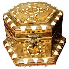 Antique Vizagapatam, trinket / jewellery box, Anglo-Indian bone and parquetry