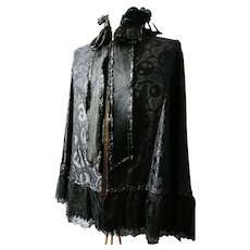 Victorian mourning capelet / mantelet, burnout silk and point de gaze lace