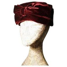 Vintage 40's red velvet pillbox hat