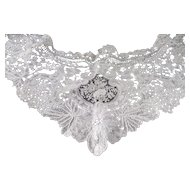 Antique lace collar, 19th century, point de gaze, duchesse, fine needlework lace