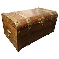 Antique treasure chest jewelry casket