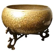Antique Chinese bronze bowl, finely engraved, Qing Dynasty bowl and stand